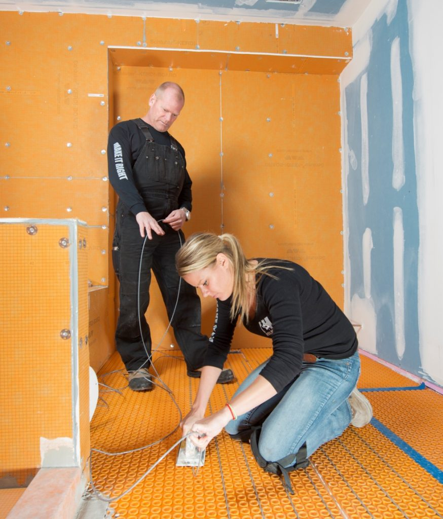 Mike Holmes Sherry Holmes Schulter Shower Image