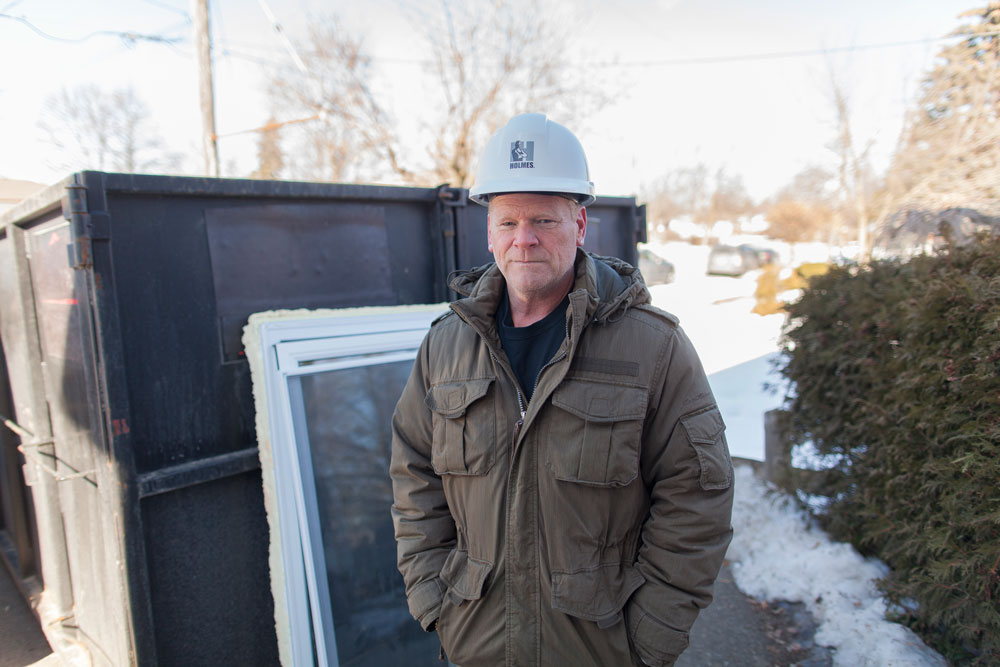 10 tasks for your winter home maintenance checklist - mike holmes - mike holmes window caulking