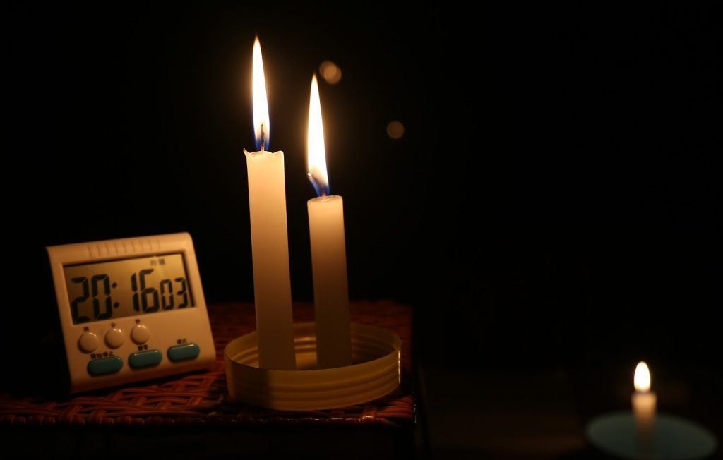 WHY YOU NEED A BACKUP GENERATOR - CANDLES