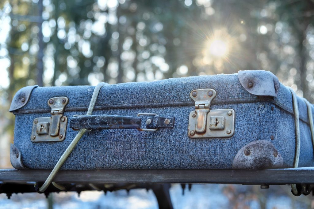 10 tasks for your winter home maintenance checklist - luggage traveling smart