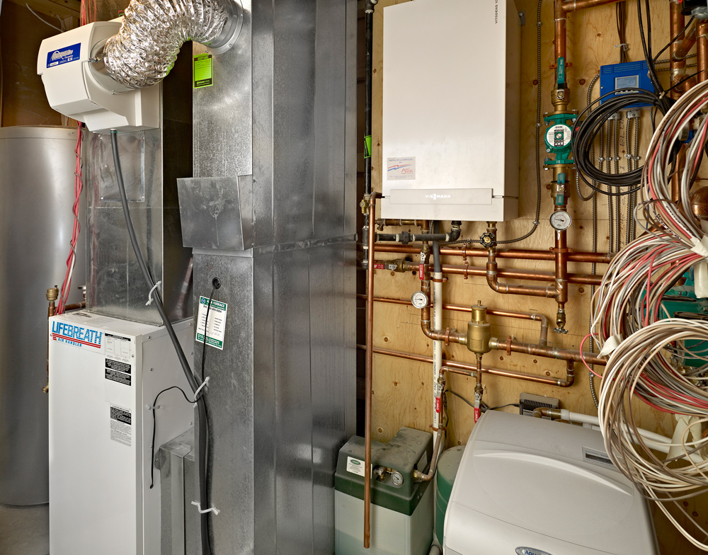 Delonix Homes Whats in your furnace room mike holmes