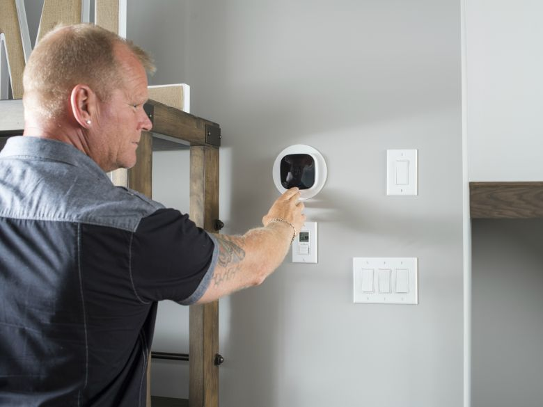 MIKE HOLMES SMART THERMOSTAT